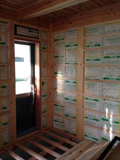 1階 壁断熱、下地バラ板.JPG